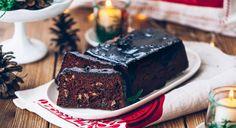 Trudno wyobrazić sobie Wigilię bez piernika. Zapach korzennych przypraw w kakaowym cieście po prostu musi rozejść się po domu, wprowadzając wszystkich w błogi, odświętny nastrój. Pieczemy go w najzdrowszej wersji!