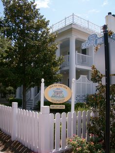 Vera Bradley Inn Seaside Florida.  Ours for spring break!