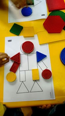 Blogue do Jardim Escola Carrocel: Blocos Lógicos Sensory Bins, Fine Motor Skills, Best Part Of Me, Literacy, Triangle, Preschool, Teaching, Activities, Fun