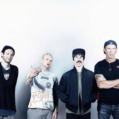 "1,155 mentions J'aime, 4 commentaires - Red Hot Chili Peppers (@rxdhotchilipeppers) sur Instagram : ""Do you want this love of mine Darkness helps us all to shine Do you want it, do you want it now Do…"""