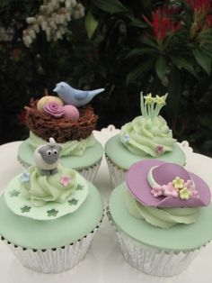 Gorgeously decorated easter cakes from The Orchard Bakehouse, N. Cupcakes Cool, Elegant Cupcakes, Spring Cupcakes, Holiday Cupcakes, Beautiful Cupcakes, Easter Cupcakes, Buttercream Decorating, Cake Decorating, Cookies Cupcake