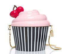 Kate Spade New York Magnolia Bakery Cupcake Clutch Kate Spade Handbags, Kate Spade Purse, Magnolia, Novelty Bags, Novelty Handbags, Sacs Design, Cute Purses, Unique Purses, Cute Bags