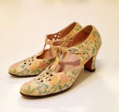 Vintage late 1920s early 30s floral patterned shoes