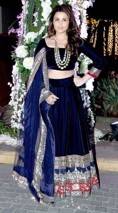 Even Parineeti Chopra attended Riddhi Malhotra's sangeet ceremony in a Manish Malhotra mirror work lehenga. We love how she adorned her neck with a statement making neckpiece and kept the jewellery minimum. India Fashion, Asian Fashion, Look Fashion, Suit Fashion, Pakistani Dresses, Indian Dresses, Indian Outfits, Pakistani Bridal, Bridal Lehenga