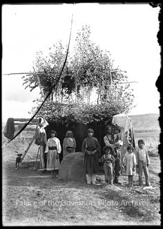 pogphotoarchives:  Juan Gonzales and family in summer house San http://ift.tt/1XgfOMG