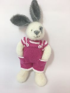 Best 12 Hand Knit Easter Bunny Girl Soft Toy Knitted Little Easter – SkillOfKing. Knitted Bunnies, Knitted Animals, Knitted Dolls, Crochet Toys, Animal Knitting Patterns, Crochet Patterns, Free Knitting, Baby Knitting, Little Cotton Rabbits