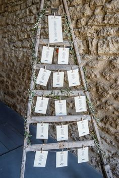 A cherry ladder, and that& it ! My table plan for my wedding in Prov . Alternative Wedding Decorations, Ceremony Decorations, Flower Decorations, Yard Wedding, Wedding Table, Wedding Cards, Wedding Day, Reception Signs, Reception Table