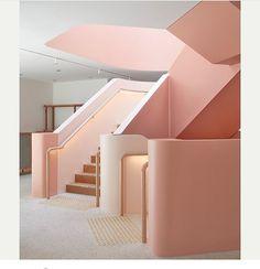 """1,854 likerklikk, 11 kommentarer – Jaime Hayon (@jaimehayon) på Instagram: """"Great staircase via @_sightunseen_ from architects Iva foschia @ifarchitecture 👏🏻👏🏻👏🏻"""""""