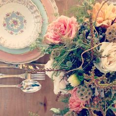 vintage place setting from The Vintage Table Co.