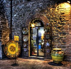 Deruta Italy Pottery where the artists create the distinctive, beautiful pottery known around the world.