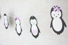 Kinderzimmerdekoration - Bastelset / Girlande / Pinguin / Mädchen - ein Designerstück von jippiebird bei DaWanda