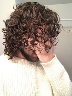 Rocking the man curls on this Christmas Eve. Long Curly Hair Men, Curly Hair Cuts, Wavy Hair, Medium Hair Styles, Natural Hair Styles, Long Hair Styles, Perm Hair Men, Curled Hairstyles, Cool Hairstyles