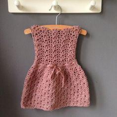 gehaakte baby jurkje patroon, crochet baby dress pattern