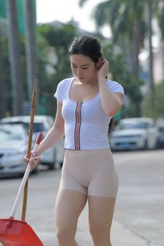 Yoga Pants Girls, Girls In Leggings, Sweet Girls, Hot Girls, Asian Lingerie, Tights Outfit, Sporty Outfits, Beautiful Asian Women, Sexy Asian Girls