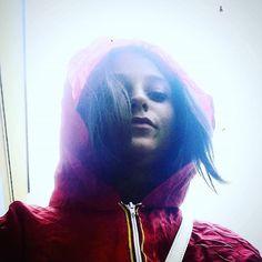•DANCING IN THE RAIN • #rainyday #kway #red #blue #lights #shorthair #haircut…