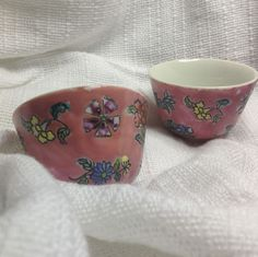 For the mini garden Japanese Porcelain Ware Hand Painted Hong Kong 2 Small Bowls Rice Dish PINK