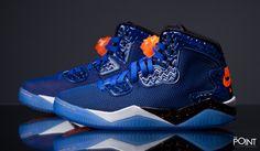 Zapatillas Air Jordan Spike Forty Pe Azul Naranja, la nueva versión del modelo de zapatillas #AirJordanSpizike llega a la #tiendaonline de #sneakers #ThePoint, esta vez en un nuevo concepto mas modernizado y en un colorway que nos recuerda a la combinación de colores de los #NewYorkKnicks, vis´ñitanos y descubre todas las novedades de #AirJordan para este #OtoñoInvierno2015, http://www.thepoint.es/es/jordan-/1321-zapatillas-hombre-air-jordan-spike-forty-pe-azul-naranja.html
