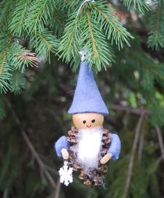 Pinecone Gnome with Snowflake
