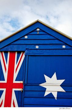 ✯✯ Red, White, Blue ✯✯ Australian flag on a beach hut Sidney Australia, Happy Australia Day, Victoria Australia, Melbourne Australia, Australia Travel, Brighton, Australian Slang, Melbourne Victoria, Largest Countries
