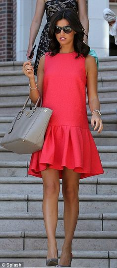 Lucy Mecklenburgh looks every inch the LA girl as she steps out to buy lingerie in a pretty coral shift dress Dresses For Teens, Day Dresses, Casual Dresses, Short Dresses, Summer Dresses, Merian, Latest African Fashion Dresses, Linen Dresses, Classy Trends