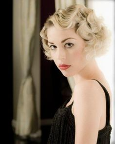 Vintage Hairstyles for Short Hair 2017 Coiffures Vintage pour Cheveux Courts 2017 1920s Hair Short, Pin Curls Short Hair, Finger Waves Short Hair, Vintage Short Hair, How To Curl Short Hair, Pin Up Hair, Vintage Bob, Short Vintage Hairstyles, Short Retro Hair