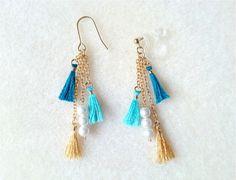 ピアス ノンホール タッセル ブルー Diy Tassel Earrings, Tassel Earing, Tassel Jewelry, Bridal Earrings, Earrings Handmade, Beaded Jewelry, Jewelery, Thread Bangles, Thread Jewellery