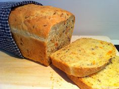 Kristins Middagstips: Saftig gulrotbrød Bread Recipes, Cooking Recipes, Norwegian Food, Cornbread, Banana Bread, Food And Drink, Keto, Favorite Recipes, Dinner