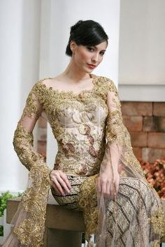 Modern Kebaya - Love the colour and every little detailing on this #kebaya #Indonesia #Javanese