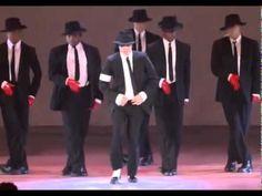 Michael Jackson live 1995 - medley - MTV Video Music Awards (excellent performance)