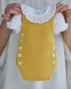 Crochet Baby Dress Free Pattern, Baby Sweater Knitting Pattern, Baby Girl Crochet, Newborn Crochet, Baby Knitting Patterns, Sewing Baby Clothes, Baby Clothes Patterns, Crochet Baby Clothes, Diy Clothes