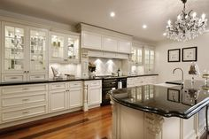 Fabulous Design Ideas Of French Provincial Kitchens With Rectangle ...