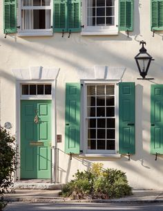 Exterior House Colors With Shutters Charleston Sc 56 Ideas House Paint Exterior, Exterior Siding, Exterior Paint Colors, Exterior House Colors, Green Shutters, House Shutters, Green Windows, Green Front Doors, Painted Front Doors