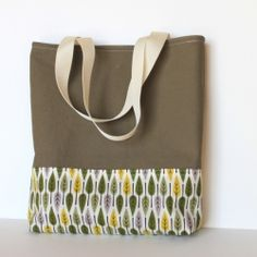 Simple tote bag tutorial using Leaves | Leaf from Nature Walk by Michelle Engel Bencsko for Cloud9 Fabrics