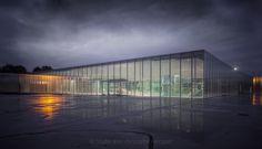 Louvre Lens - Odile et Jean-Christophe Hecquet / Agence d'architecture japonaise Sanaa.