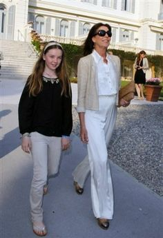 Princess Carolina of Monaco. Fresh and cool outfit for a spring afternoon walk in la Provenze. Charlotte Casiraghi, Andrea Casiraghi, Royal Fashion, French Fashion, Grace Kelly Granddaughter, Womens Clothing Stores, Clothes For Women, Albert Von Monaco, Royal Families