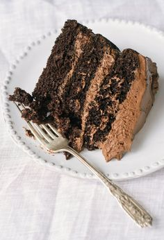 Essential Recipe: Chocolate Layer Cake — Recipes from The Kitchn Just Desserts, Delicious Desserts, Dessert Recipes, Yummy Food, Tasty, Cupcakes, Cupcake Cakes, Poke Cakes, Layer Cakes