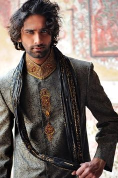 In this post, we will represent latest and exclusive groom wear winter collection 2013 by Naushemian for men. This groom wear collection includes sherwanis. Fashion Male, Indian Men Fashion, Mens Fashion, Groom Fashion, Latest Fashion, Fashion Trends, Fashion Tips, Sherwani, Groom Wear