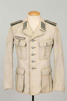Uniforma Ww2 Uniforms, German Uniforms, Mexican Army, Military Memorabilia, Army Ranks, Army Clothes, Wedding Dress Men, Uniform Design, Moda Masculina