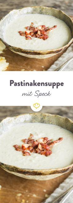 Der Geschmack der Pastinake ergänzt sich ideal mit würzigem Speck, der der Suppe einen leichten Knusperfaktor verleiht. Perfekt für kalte Wintertage.