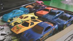 HOT WHEELS RACE AND POLICE CARS CHASE - ACTION FUN!