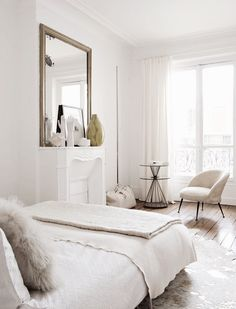 Tour a French interior designer's elegant Parisian apartment Grey Interior Doors, French Interior, Interior Design, Cafe Interior, Living Room Decor, Bedroom Decor, Cozy Bedroom, Farmhouse Side Table, Cute Dorm Rooms