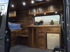 Awesome Interior Design Campervan Living https://www.vanchitecture.com/2018/01/21/awesome-interior-design-campervan-living/