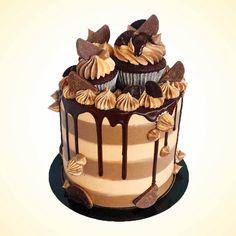 Cakes to order Terry's Chocolate Orange, Chocolate Drip, Best Chocolate, Delicious Chocolate, Chocolate Cake, Terrys Chocolate Orange Cake, Orange Buttercream, Swiss Meringue Buttercream, Jaffa Kuchen
