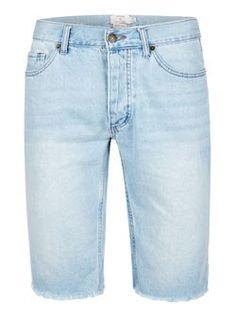 http://de.topman.com/de/tmde/produkt/kleidung-554976/herren-shorts-badeshorts-5827884/jeans-shorts-mit-ausgefranstem-saum-hellblau-5886905?bi=0&ps=20