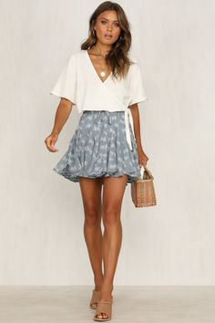 latest spring outfits ideas for women to try now 5 ~ my.me latest spring outfits ideas for w. Mode Outfits, Trendy Outfits, Fashion Outfits, Fashion Clothes, Rush Outfits, Ddlg Outfits, Fashion Ideas, Simple Outfits, Classy Outfits