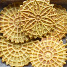 Fall Cookies, Pumpkin Cookies, Holiday Cookies, Pizzelle Cookies, Pizzelle Recipe, Baking Cookies, Pumpkin Puree, Pumpkin Spice, Pumpkin Recipes