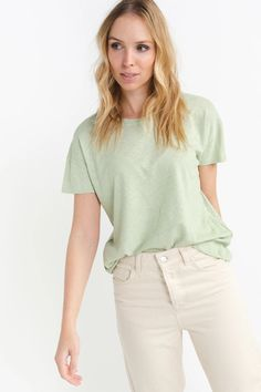 Redondo Basic T-Shirt Apple – Lily Must Haves, Lily, Apple, Denim, Sleeves, How To Wear, T Shirt, Cotton, March