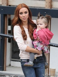 Una Healy from The Saturdays. Baby Aoife Belle wears a pair of Saffron Bells baby anklets with bells - Fab moms stylish mommy outfits Unusual Baby Gifts, Baby Christening Gifts, Nursery Modern, Modern Nurseries, Royal Babies, Baby Royal, Baby Jewelry, Baby Furniture