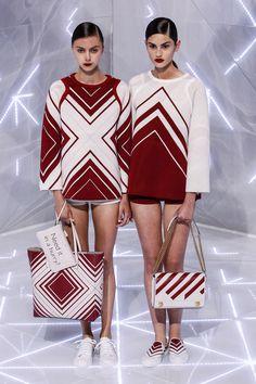 Anya Hindmarch Printemps/Eté 2016, Womenswear - Défilés (#22871)