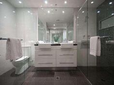 Beautiful bathroom in surfers paradise, Gold coast apartment.  http://www.nextplace.com.au/real-estate/15-89-surf-parade-broadbeach-qld:1116id4863212?price:950000-;status:buy